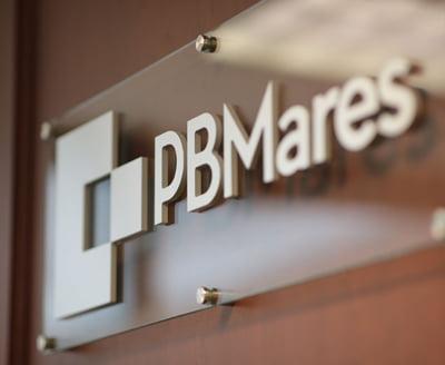 pbmares logo signage